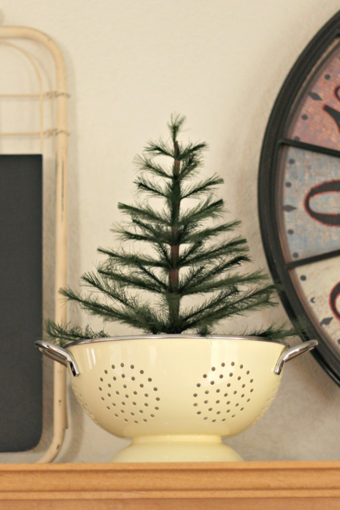 thrifty-christmas-decorating-colander