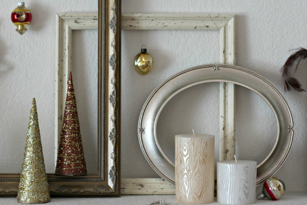 thrifty-christmas-decorating-frames