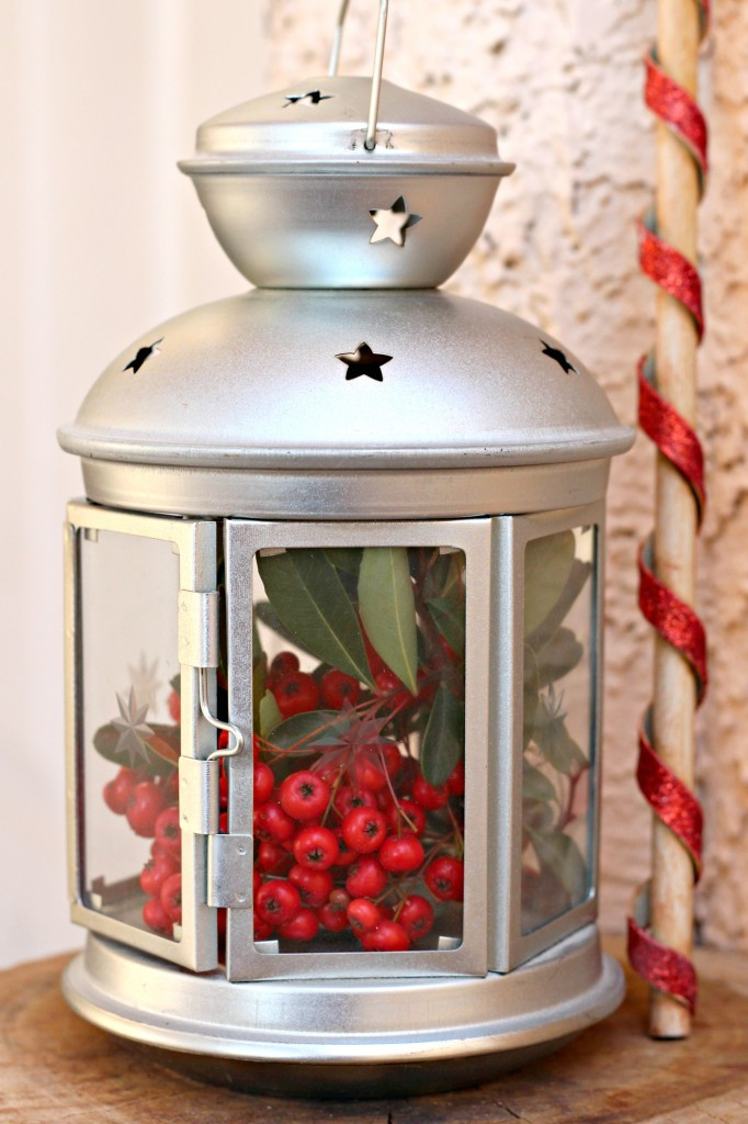 thrifty-christmas-decorating-lantern