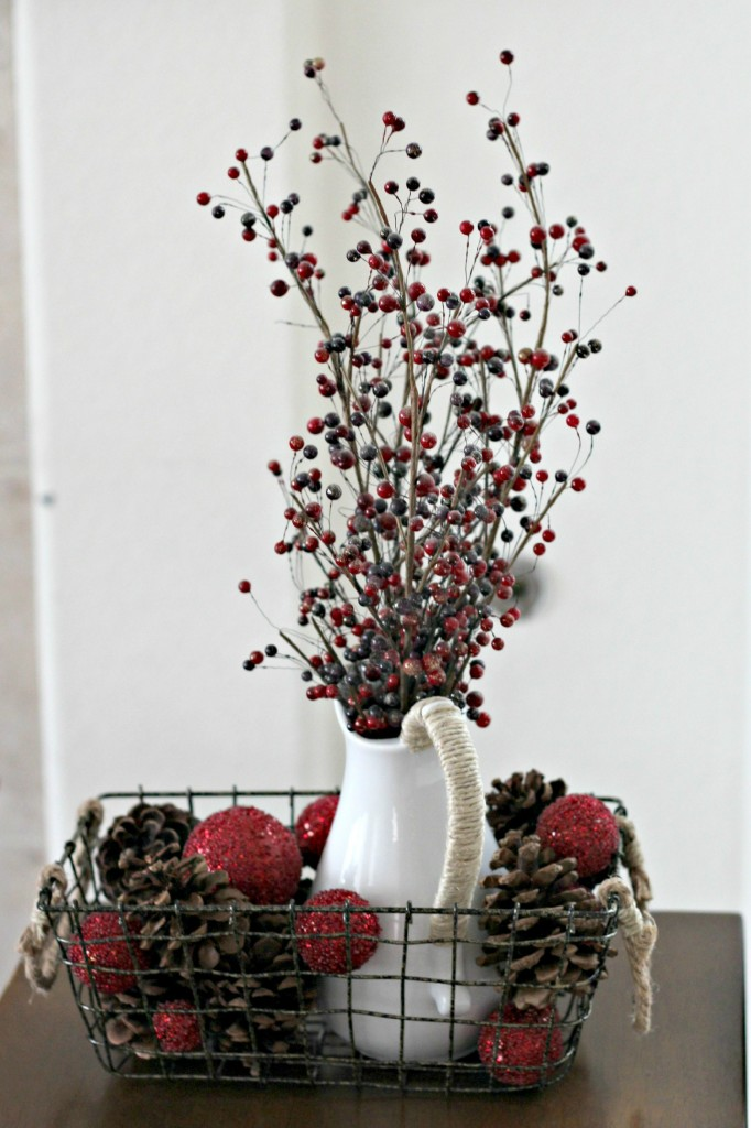 thrifty-christmas-decorating-pitcher-and-basket