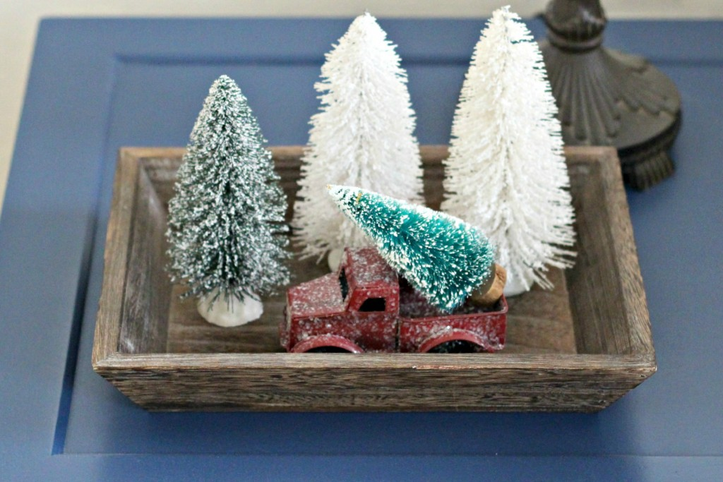 thrifty-christmas-decorating-tray