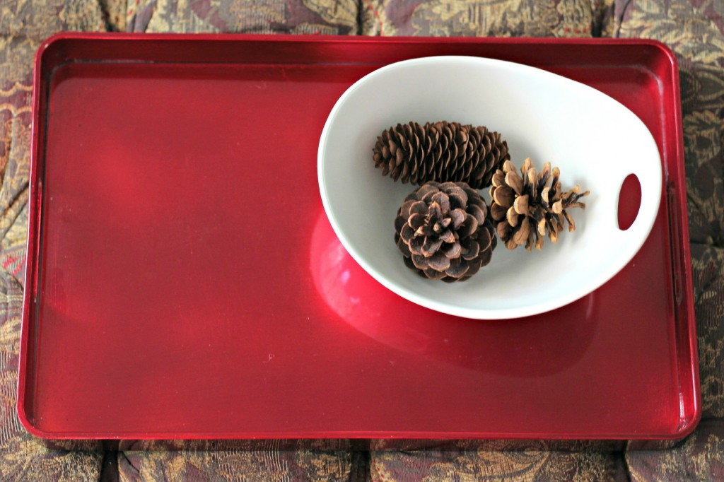 thrifty-christmas-decorating-tray-and-bowl