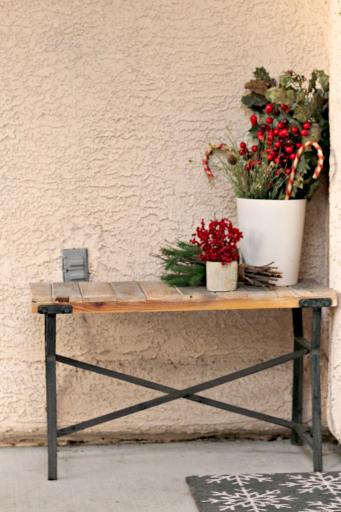 welcome-christmas-front-porch-bench-decorations