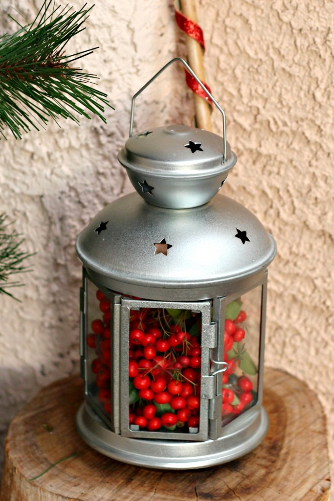welcome-christmas-front-porch-lantern