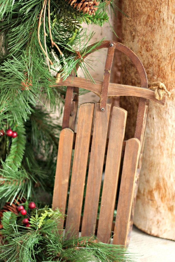 welcome-christmas-front-porch-sled