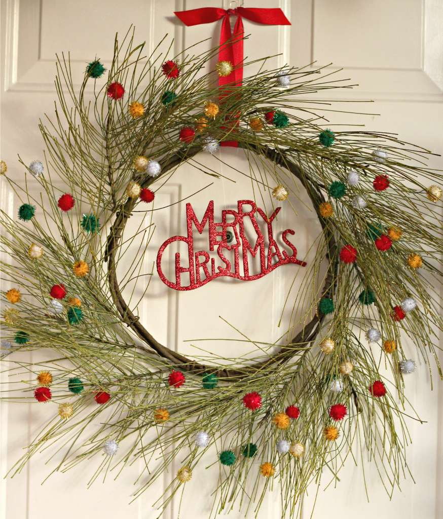 welcome-christmas-front-porch-wreath