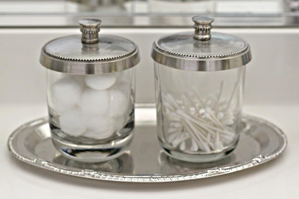 Jars Bathroom 3