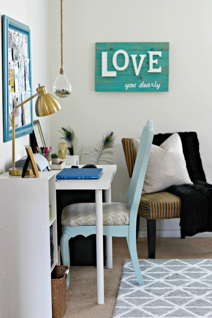 master-bedroom-office-area