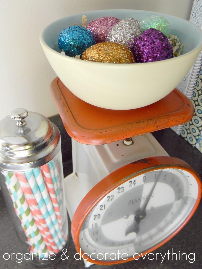 glitter eggs6text