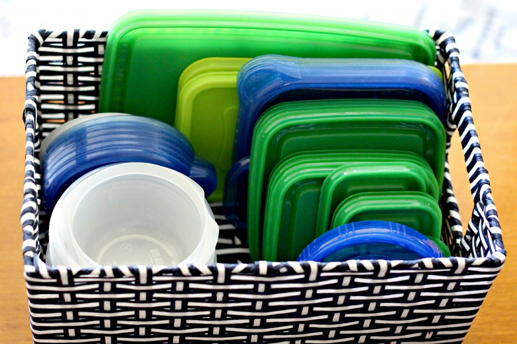 organizing plastic lids