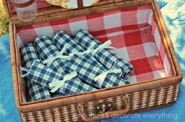 picnic utensil carrier