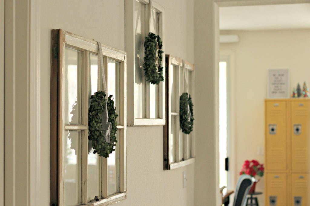 Christmas livingroom windows