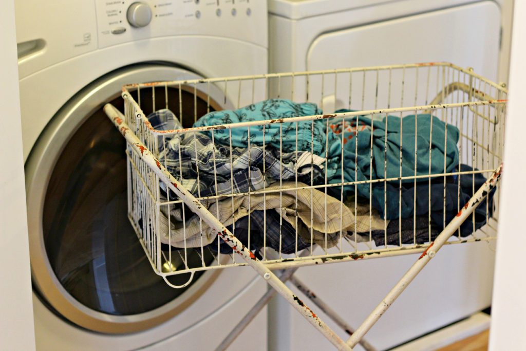 Daily Organizing Habits fold laundry