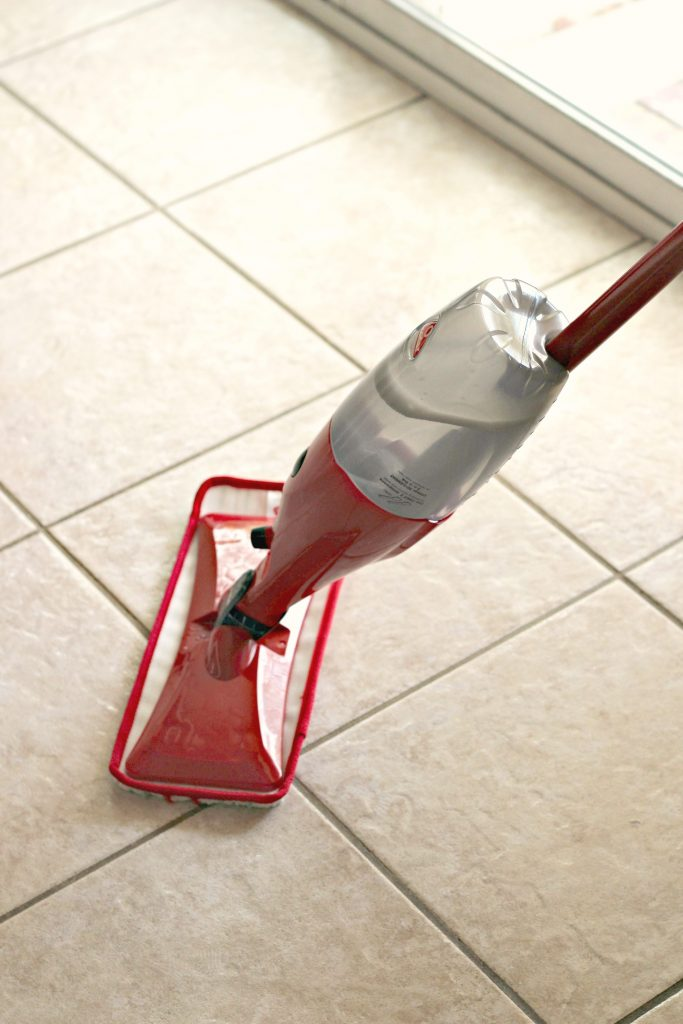 spray mop cleaning solution