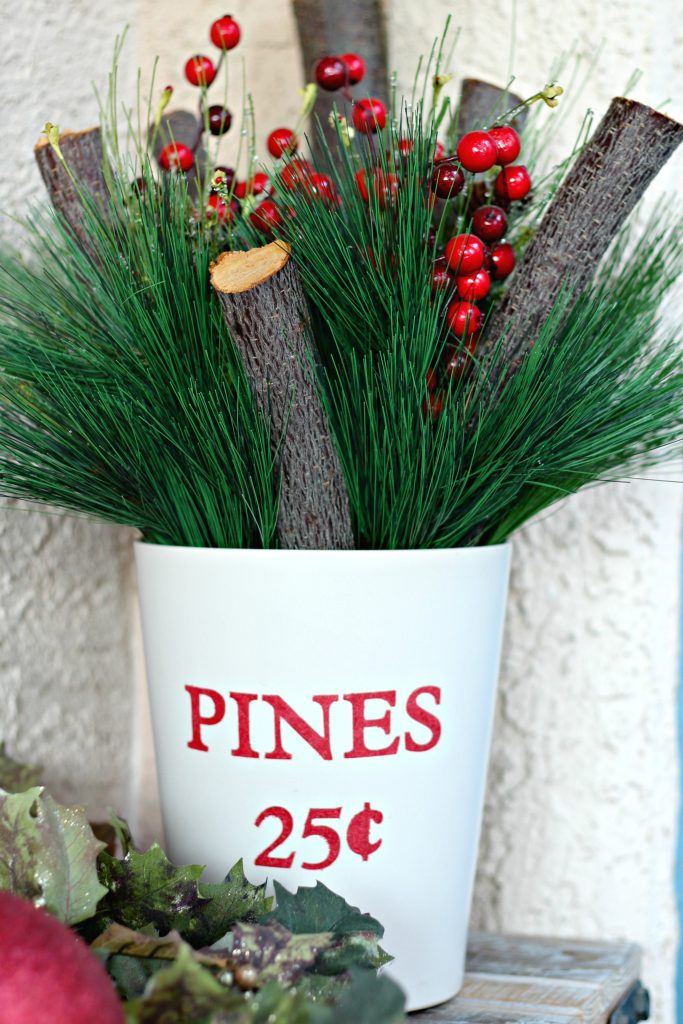 Pine and Berry planter pot