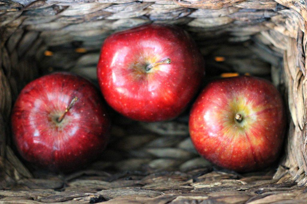 Dollar store apples