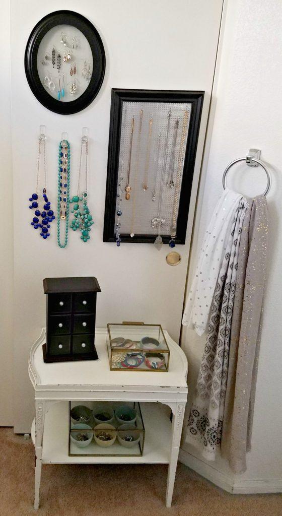 Bathroom Update jewelry organizing