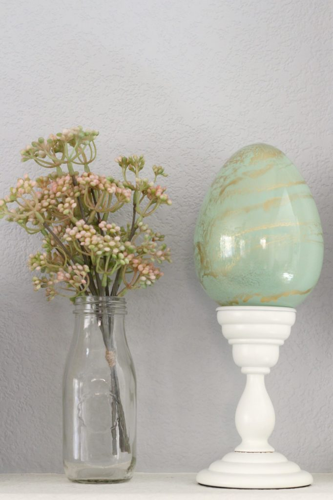 Easter mantel marble egg