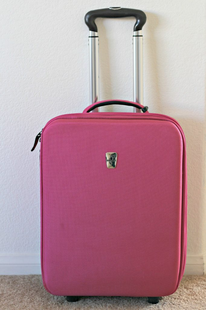 decluttering luggage