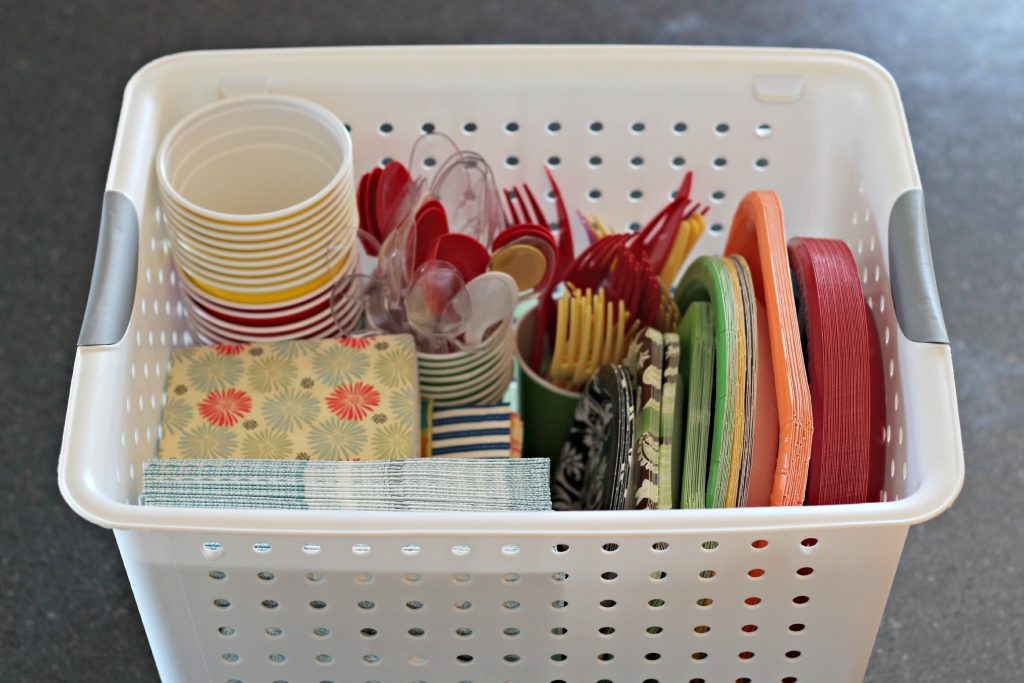 decluttering party supplies