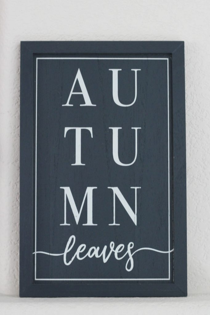 Pumpkins and Plaid mantel sign