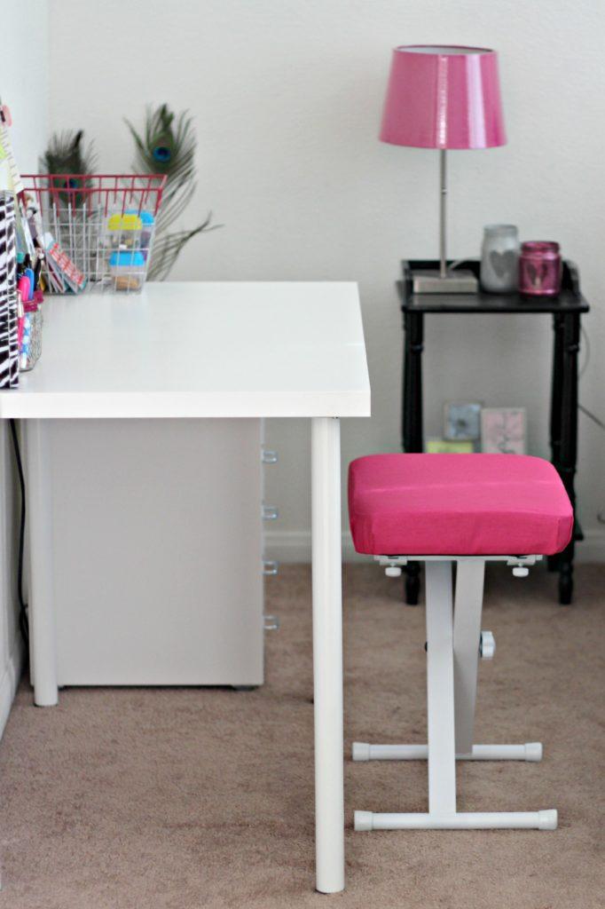 May decluttering kids desk